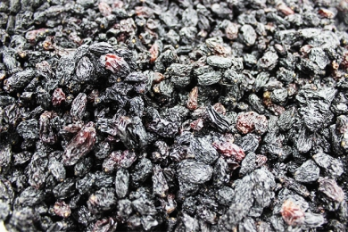 Black rose raisins