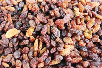 Red raisins sale